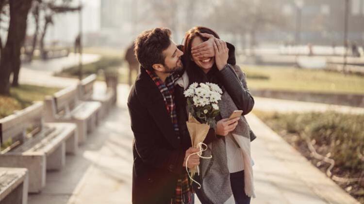 İlişkileri fiziksel görünüme indirgememek gerek