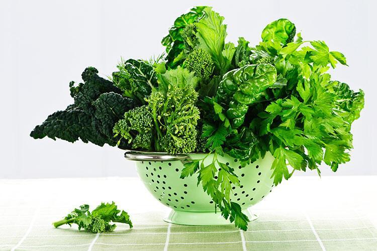 Oda sıcaklığındaki yeşil sebzeler