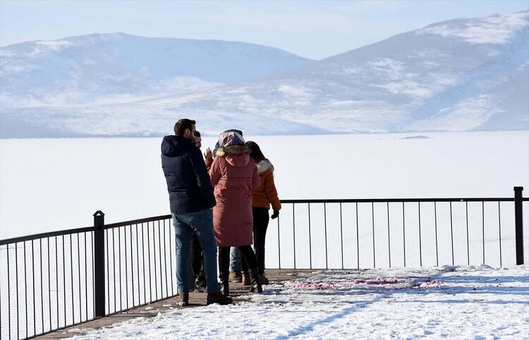 Kazan Gölü doğa tutkunlarını ağırlıyor