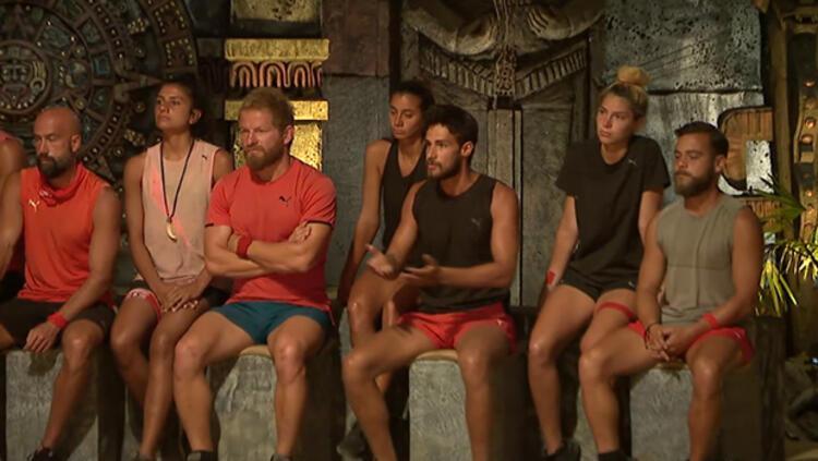 Survivor'da eleme adayı kim oldu, dokunulmazlığı kim kazandı? Survivor'da Aleyna'dan şok itiraf: Hoşlandığını söyledi
