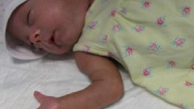 Parmak bebek taburcu edildi