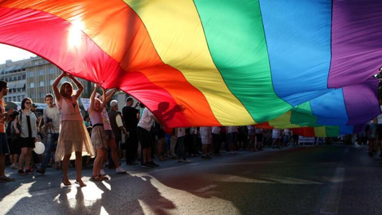 İngiliz başkonsolos Leigh Turner'dan LGBT desteği