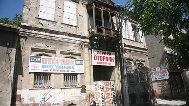 Tarihi evler reklam panosu