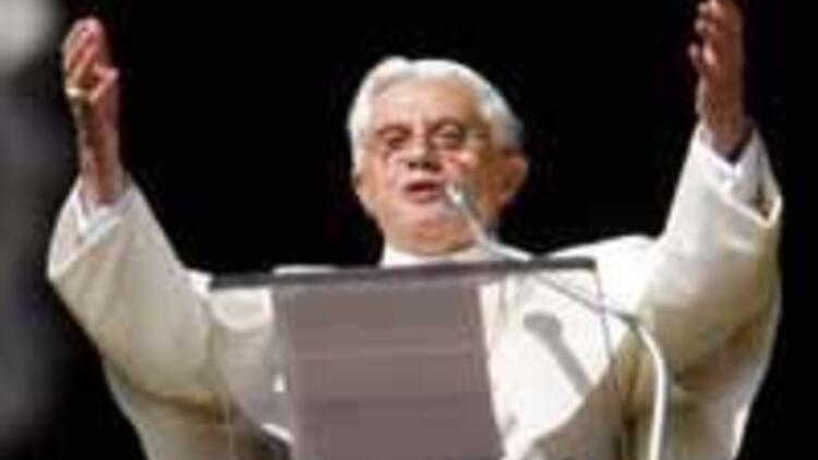Vatican: Pope Benedict's gaffes result of high tension