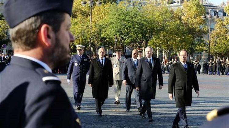 Fransa Cumhurbaşkanı resmi törende yuhalandı