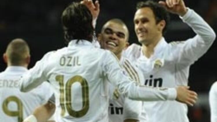 Real Madrid, puan farkını 7'ye çıkarttı