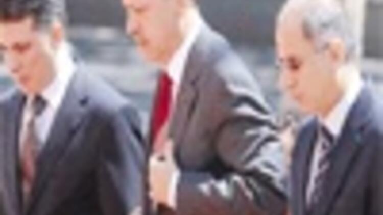 PM, Başbuğ meet as tension grows