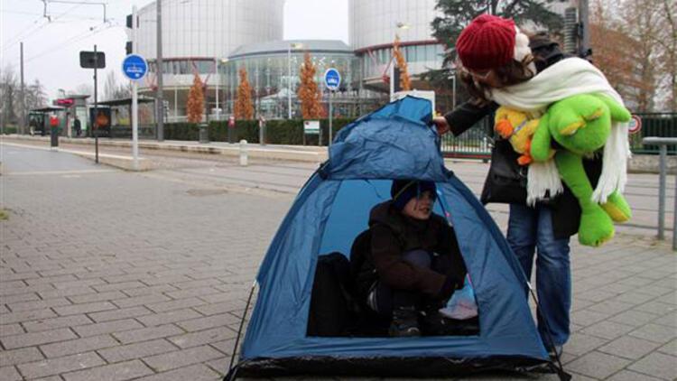 AİHM önünde çadırlı eylem