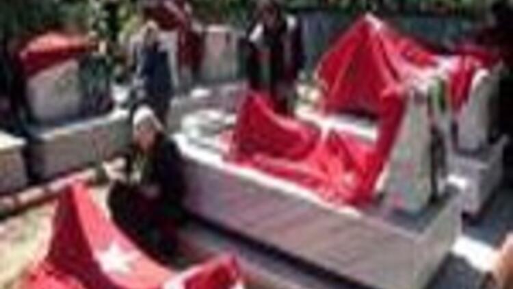 Bingöl'de 33 şehit er için Anıt Mezar