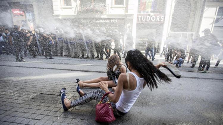 Dış basın Onur Yürüyüşü'ne polis müdahalesini böyle gördü