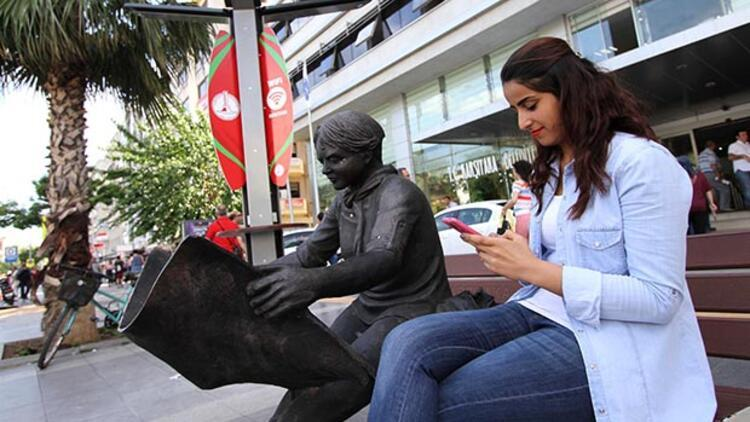 Karşıyaka sokaklarında ücretsiz internet