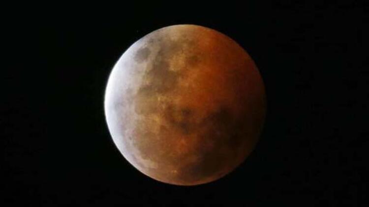 8 Ekim Ay tutulması ve Kanlı Ay görüntüleri canlı yayında