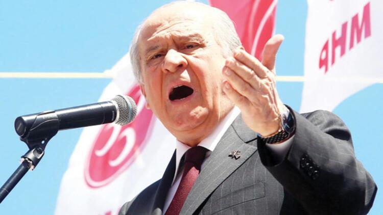 MHP lideri Bahçeli: Çıbanın başı kaçak sarayda