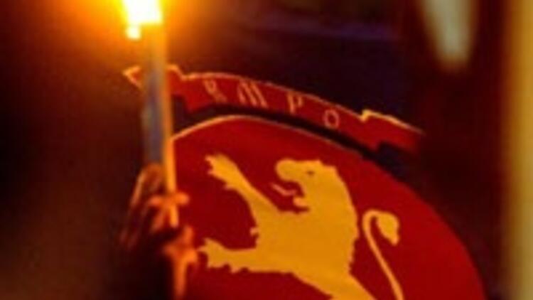 Makedonya'da seçimde kan döküldü