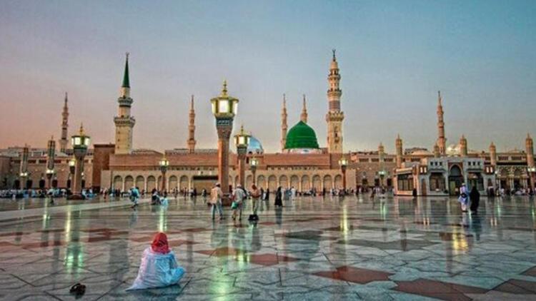 """""""Suudi akademisyen, Hz. Muhammed'in kabrinin yerinin değiştirilmesini önerdi"""""""