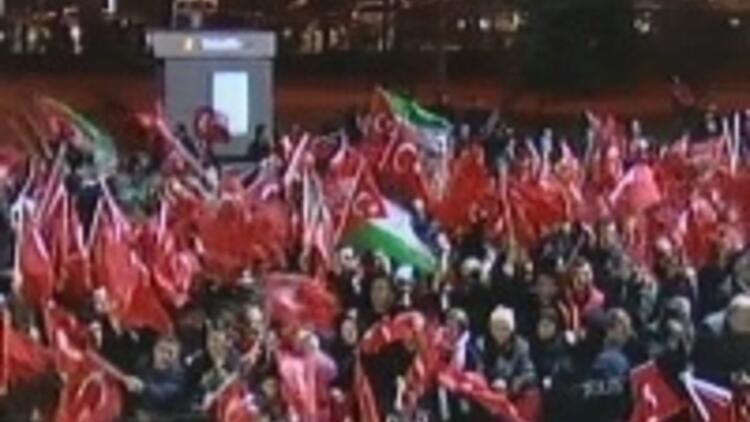 İstanbul'da miting gibi karşılama