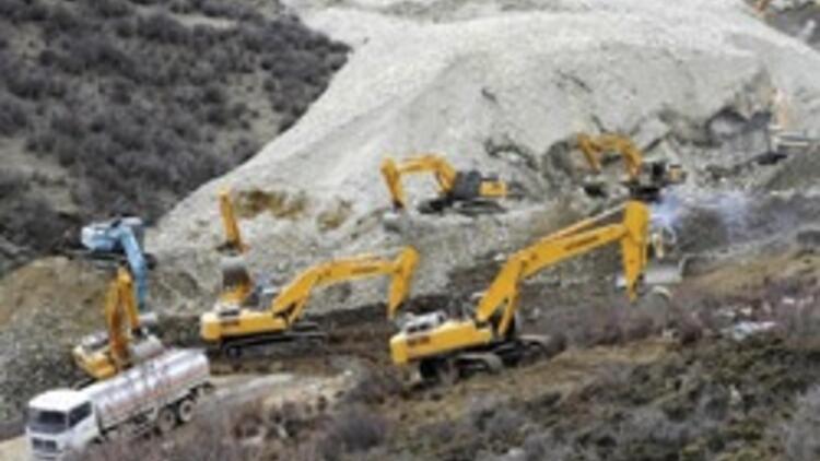 Tibette 80den fazla işçi toprak altında