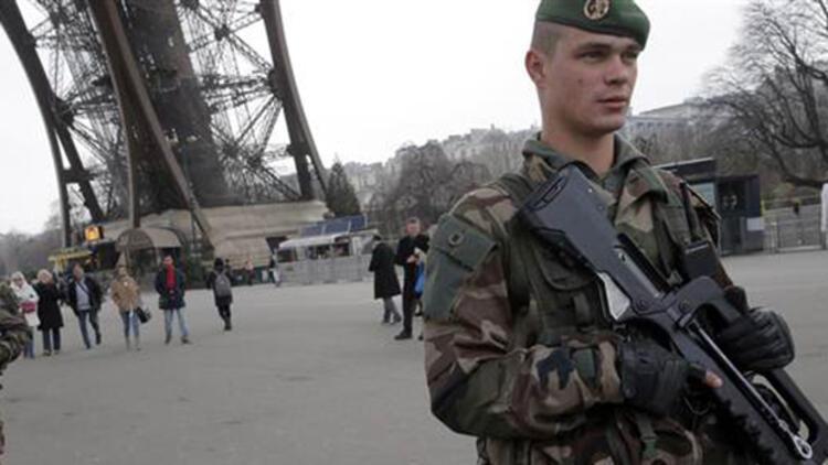 Türkiye'den Paris saldırısına tepkiler