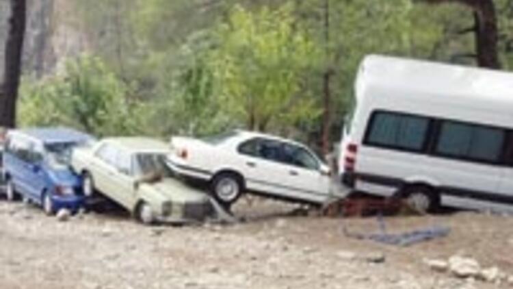 Sel Olimpos'u yıktı geçti