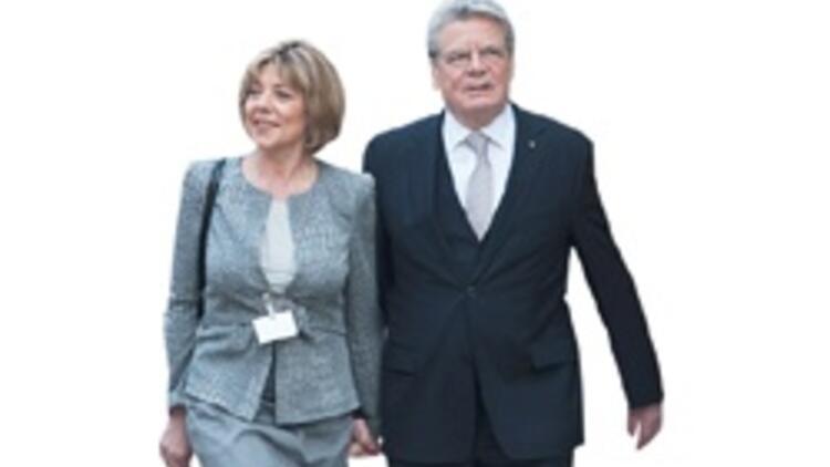 Gauck sözle başladı