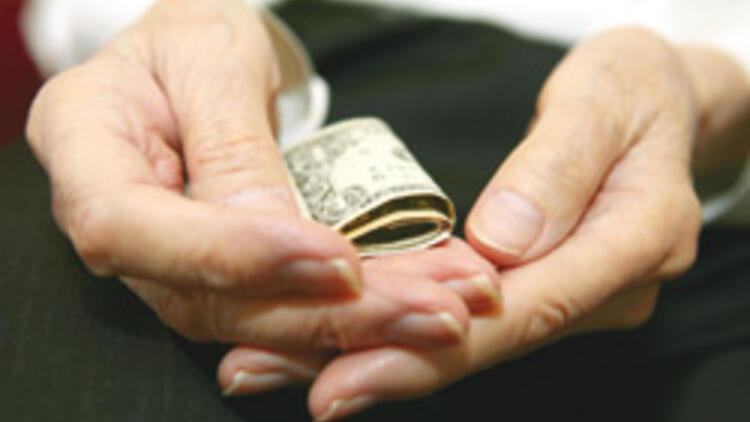 Dolar mağduru opsiyoncuların çoğu 'emekli'
