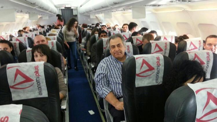Kırım'a havalanan Atlasjet uçağı geri döndü