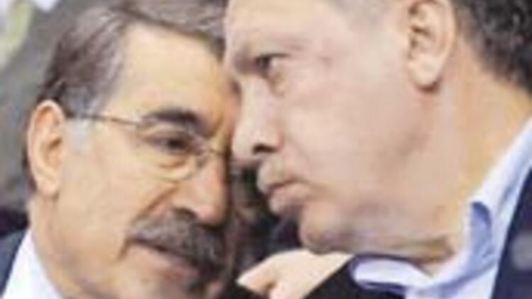 AKP'de 'akrabaya siyaset' yasağı