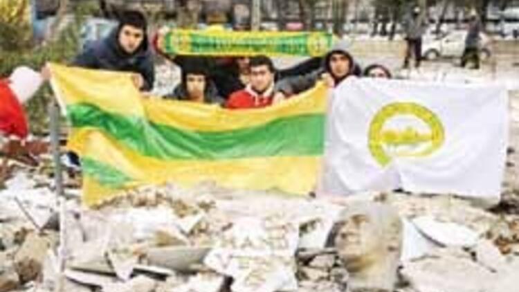 99 yıllık Anadolu Hisarı yıkıldı