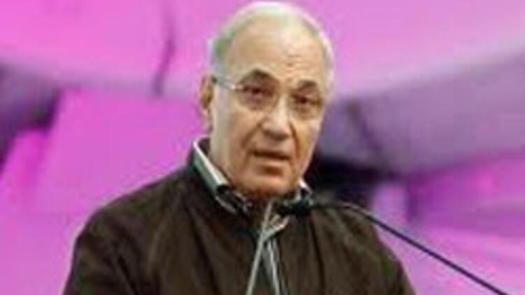 Mısır'da, eski başbakan Şefik'e izin çıktı