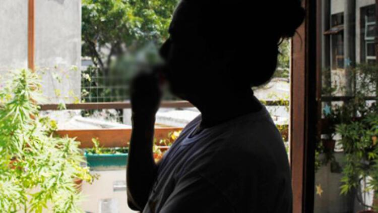 Pencereden sigara atan Singapurlu'ya rekor ceza
