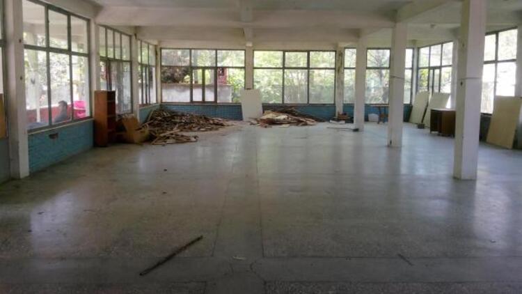 Tuzladaki Ermeni yetimhanesi yıkılıyor