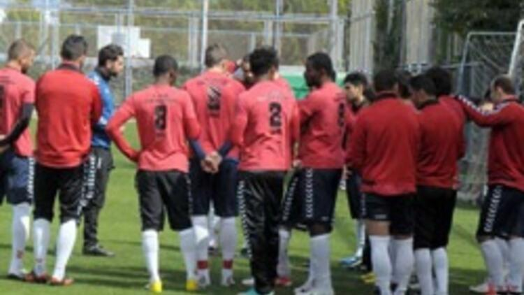 Mersin'de 5 futbolcu kadro dışı
