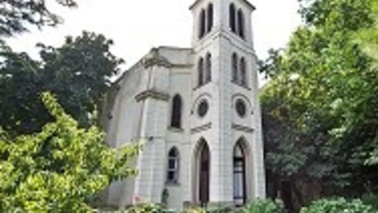 Gürcü Kilisesi'ni boğmamaya özen gösterdi, 4 projeyi gündeme aldı