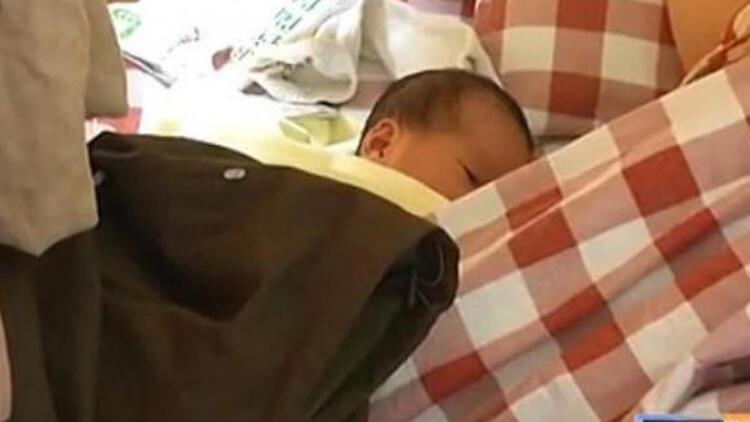 Çin'de bir kadın internet kafede doğum yaptı, oyun oynamaya devam etti