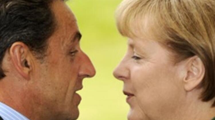Fransızlar Sarkozy'den çok Merkel'e güveniyor