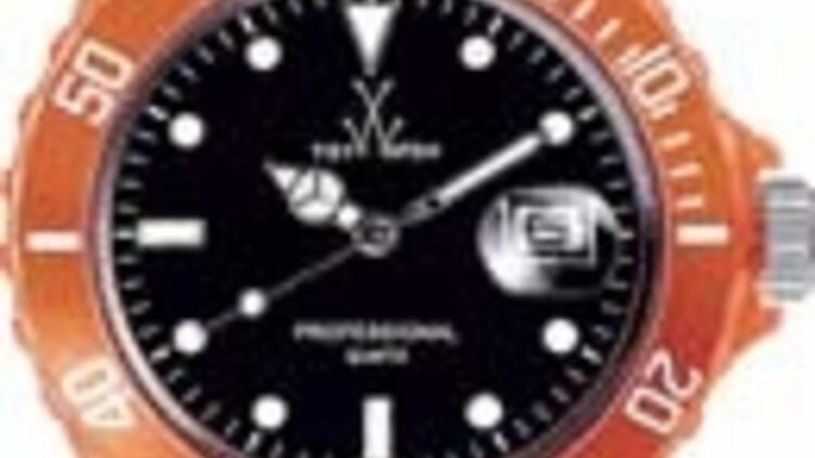 Ayak bileğine bile takılan oyuncaklı saatler