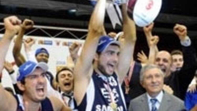 Efes Pilsen şampiyon oldu olaylar çıktı