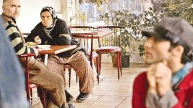 İranlı gay mülteciyi Davut aşkı yakıyordu