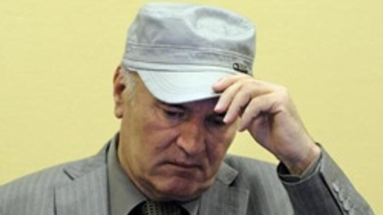 Mladiç duruşma sırasında fenalaştı