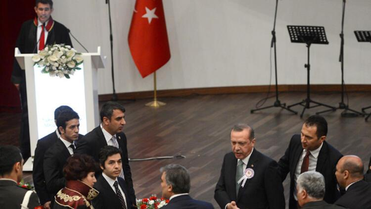 Feyzioğlu'na kızan Başbakan töreni terk etti