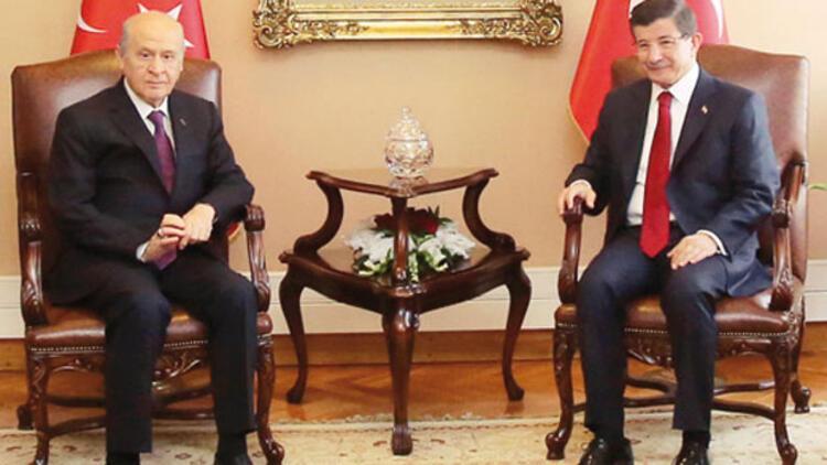 Bahçeli'den Davutoğlu'na: Önce CHP-HDP ile deneyin