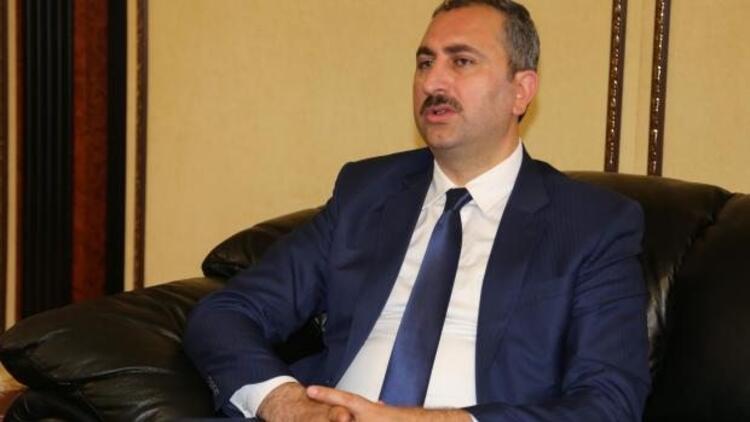AK Partili Gül'den sert sözler