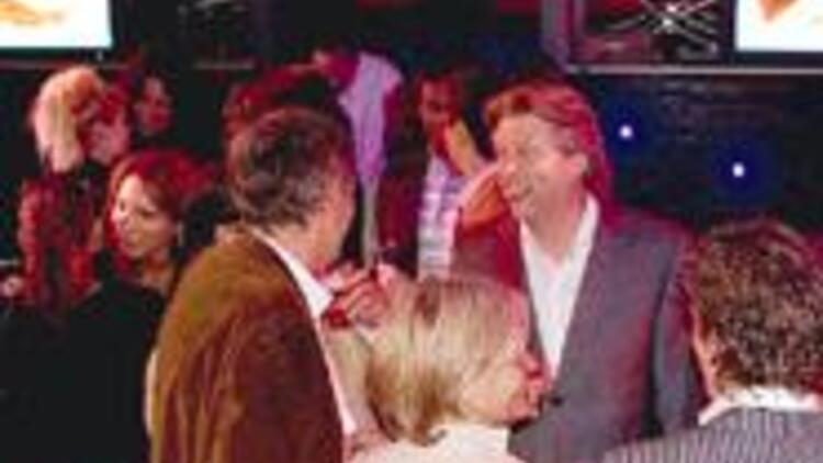 Hollandalılar Kraliçe Günü'nde Hillside Su'nun davetiyle coştu