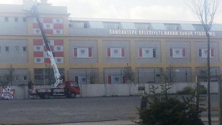 Sancaktepe'deki stadyumdan Hakan Şükür ismi söküldü