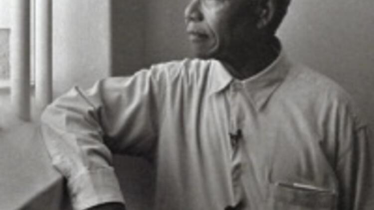Mandela'nın hapisten çıkışının 20'inci yıldönümü
