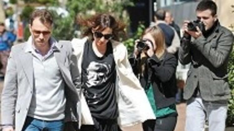 En yeni kadın tavlama yöntemi: Kiralık paparazzi