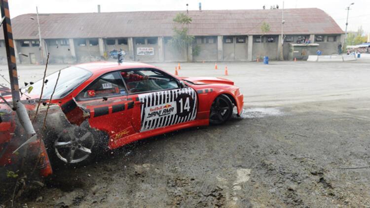 Ankara'daki drift yarışında kaza - Son Dakika Haber
