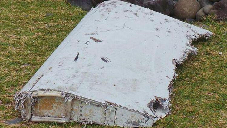 Malezya: Hint Okyanusu'nda bulunan parça kayıp uçağa ait