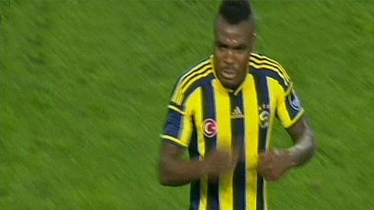 Fenerbahçe Beşiktaş maçında Emenike tepkisi