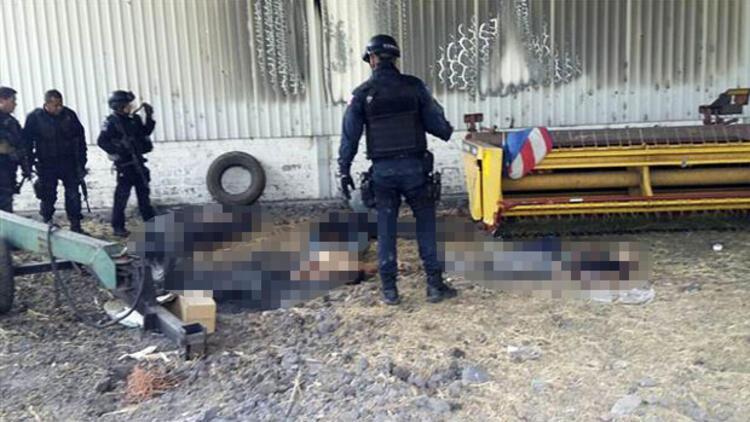 Meksika'da kanlı çatışma: 43 ölü